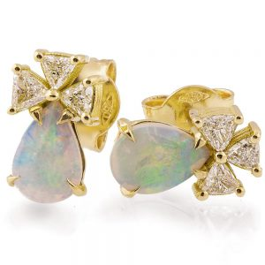 Opal Earrings Yellow Gold and Diamonds Catalogue