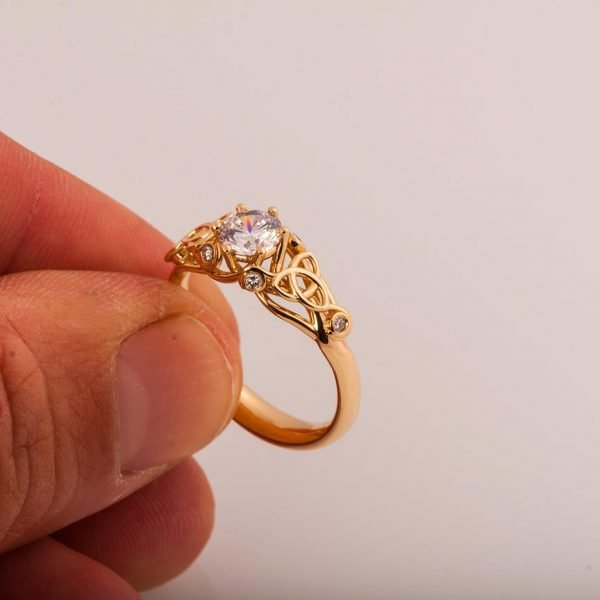 Knot Engagement Ring Rose Gold and Diamond Catalogue
